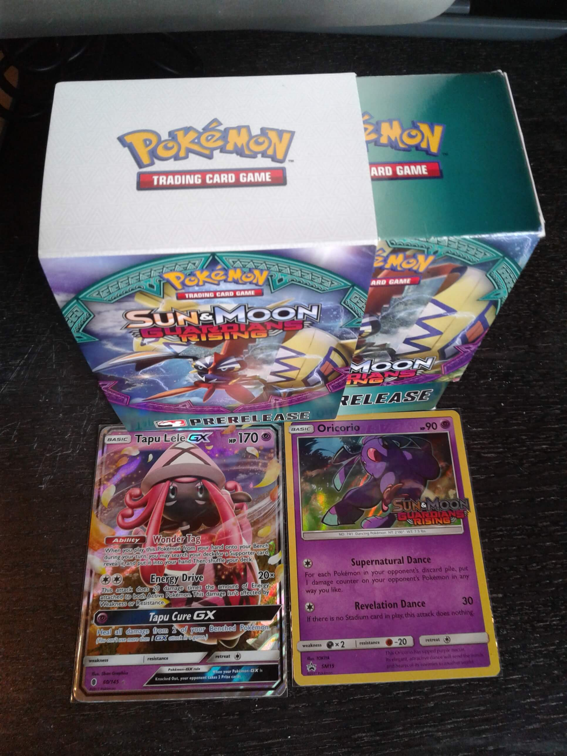 Caja Pre-Release Sun and Moon Guardians Rising